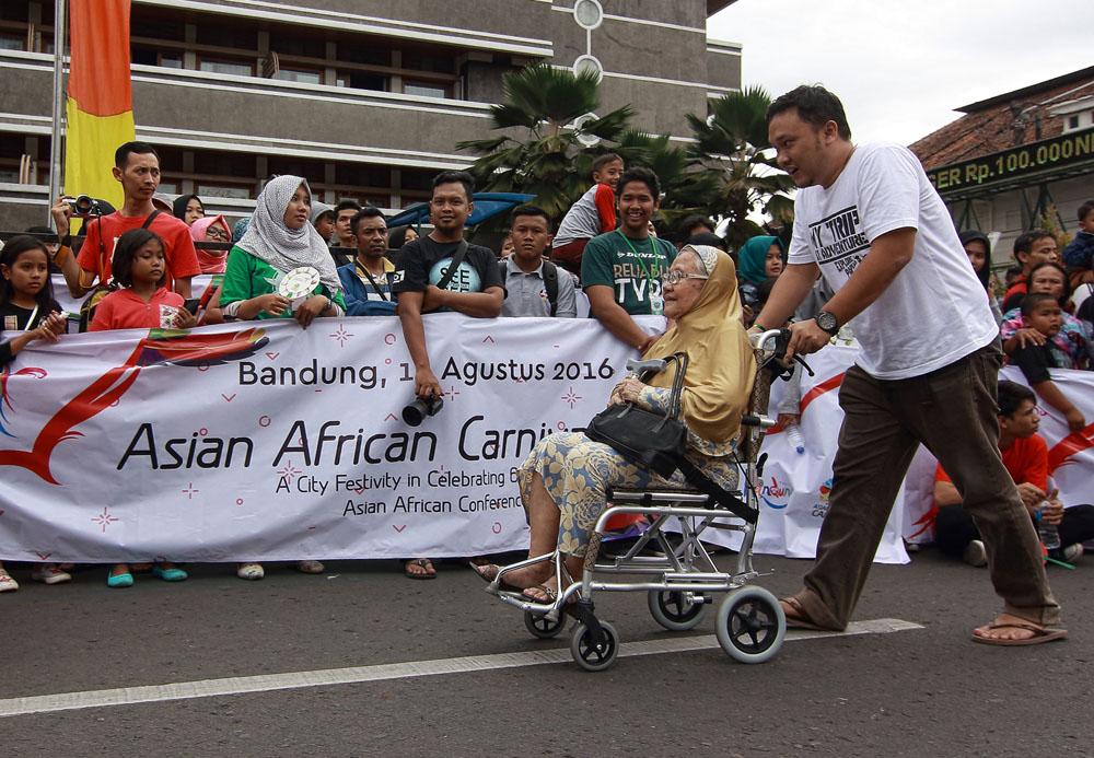02 Bersama Bunda di Asia Afrika Carnaval_08122267680
